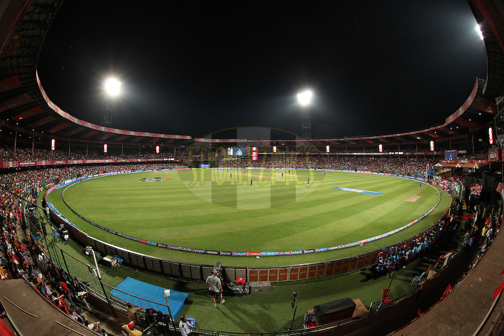 GV during match 16 of the Pepsi IPL 2015 (Indian Premier League) between The Royal Challengers Bangalore and The Mumbai Indians held at the M. Chinnaswamy Stadium in Bengaluru, India on the 19th April 2015.<br /> <br /> Photo by:  Saikat Das / SPORTZPICS / IPL