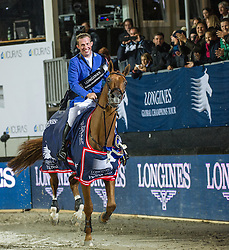 21.09.2013, Rathausplatz, Wien, AUT, Global Champions Tour, Vienna Masters, Springreiten (1.60 m), Siegerehrung, im Bild Gerco Schroeder (NED) auf London on 1st place // during Vienna Masters of Global Champions Tour, International Jumping Competition (1.60 m) winning ceremony at Rathausplatz in Vienna, Austria on 2013/09/21. EXPA Pictures © 2013 PhotoCredit: EXPA/ Michael Gruber