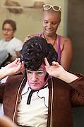 """Belo Horionte, 21 de junho de 2010. .Imagens dos ensaios da montagem da opera """"O Barbeiro de Sevilha"""", da  Companhia Brasileira de Opera, com direcao do maestro John Neschling. ..Foto: Bruno Magalhaes / Nitro"""