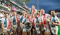 HONG KONG - APRIL 10:  England players celebrate with the trophy after winning the Plate final during the 2016 Hong Kong Sevens at Hong Kong Stadium on April 10, 2016 in Hong Kong.  (Photo by Juan Manuel Serrano Arce/Getty Images)
