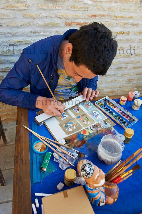 Ouzbekistan, Boukhara, patrimoine mondial de l Unesco, peintre // Uzbekistan, Bukhara, Unesco world heritage, painter