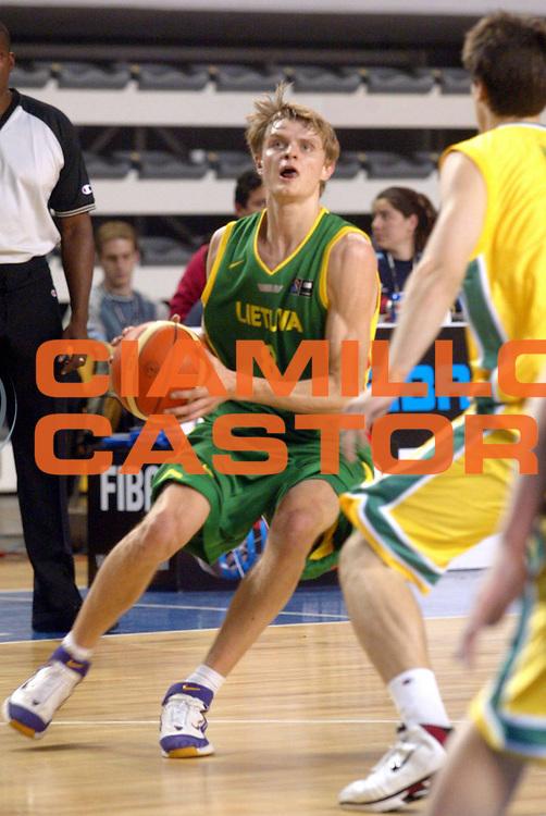 DESCRIZIONE : MAR DEL PLATA FIBA UNDER 21 WORLD CHAMPIONSHIP FOR MEN CAMPIONATO DEL MONDO UNDER 21 MASCHILE<br />GIOCATORE : SEIBUTIS<br />SQUADRA : LITUANIA<br />EVENTO : UNDER 21 WORLD CHAMPIONSHIP FOR MAN CAMPIONATO DEL MONDO UNDER 21 MASCHILE<br />GARA : AUSTRALIA-LITUANIA<br />DATA : 13/08/2005<br />CATEGORIA : PALLEGGIO<br />SPORT : Pallacanestro<br />AUTORE : AGENZIA CIAMILLO &amp; CASTORIA/M.Ciamillo