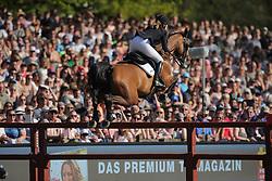 Hamburg - Hamburger Derby 2016<br /> Meyer, Janne-Friederike (GER) Cellagon Anna<br /> © Stefan Lafrentz