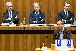 13.10.2016, Parlament, Wien, AUT, Parlament, Nationalratssitzung, Sitzung des Nationalrates mit Generaldebatte über das Bundesfinanzgesetz 2017, im Bild Klubobmann NEOS Matthias Strolz vor Bundesminister für Finanzen Hans Jörg Schelling (ÖVP), Vizekanzler und Minister für Wirtschaft und Wissenschaft Reinhold Mitterlehner (ÖVP) und Bundeskanzler Christian Kern (SPÖ) // Leader of the Parliamentary Group NEOS Matthias Strolz in front of Austrian Minister of Finance Hans Joerg Schelling, Vice Chancellor of Austria and Minister of Science and Economy Reinhold Mitterlehner and Federal Chancellor of Austria Christian Kern during meeting of the National Council of austria according to government budget 2017 at austrian parliament in Vienna, Austria on 2016/10/13, EXPA Pictures © 2016, PhotoCredit: EXPA/ Michael Gruber