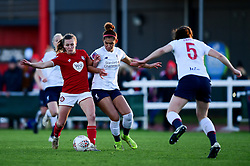 Charlie Wellings of Bristol City is challenged by Sophie Bradley-Auckland of Liverpool Women - Mandatory by-line: Ryan Hiscott/JMP - 19/01/2020 - FOOTBALL - Stoke Gifford Stadium - Bristol, England - Bristol City Women v Liverpool Women - Barclays FA Women's Super League