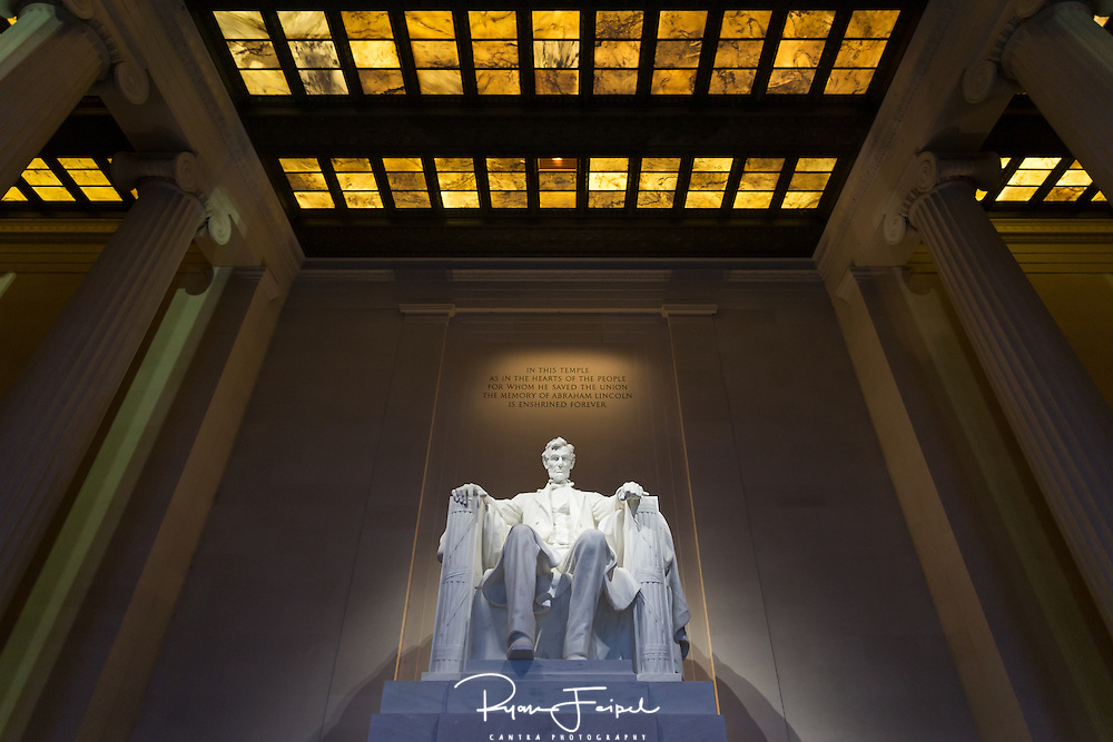 Lincoln is easily one of the most popular and recognizable figures in American history.  He's so popular that I found myself surrounded by at least 500 of my closest friends all clamored in the monument.