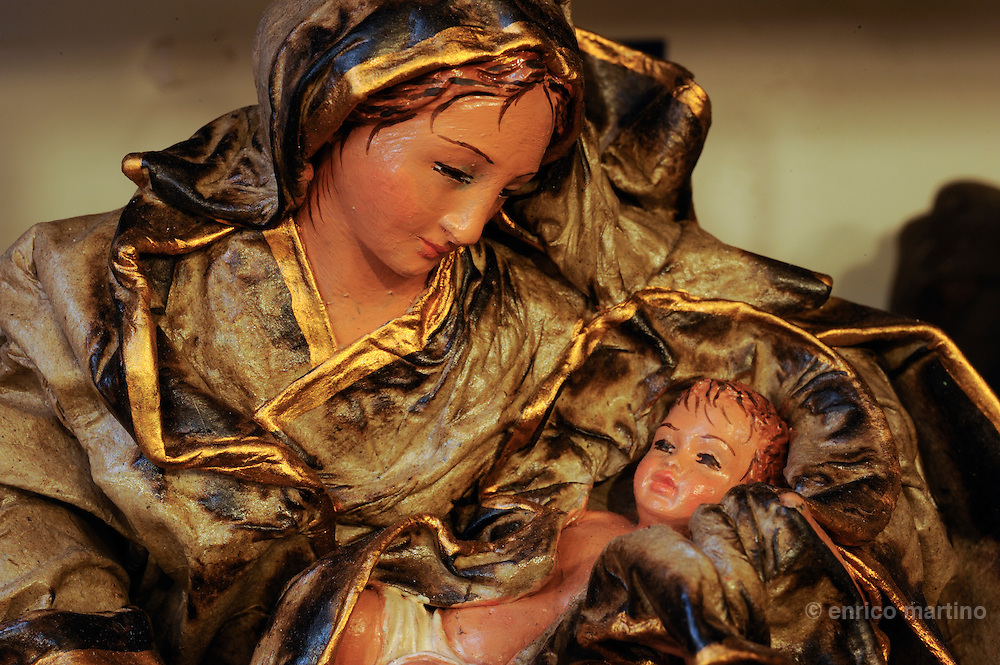 Lecce, the workshop of Claudio Riso is one of the most renowned papier-machè craftsmen. The Holy Family.