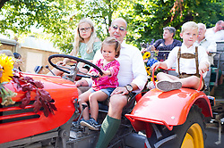 11.09.2016, Wien, AUT, Erntedankfest der Österreichischen Jungbauernschaft im Augarten. im Bild Feature // during harvest festival in Vienna, Austria on 2016/09/11. EXPA Pictures © 2016, PhotoCredit: EXPA/ Michael Gruber