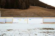 DAVOS, SCHWEIZ - 2016-12-09: Ont om sn&ouml; under tr&auml;ning inf&ouml;r Viessmann FIS Cross Country World Cup den 9 december, 2016 i Davos, Schweiz. Foto: Nils Petter Nilsson/Ombrello<br /> ***BETALBILD***
