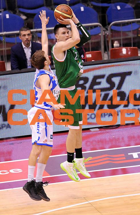 DESCRIZIONE : Milano Coppa Italia Final Eight 2013 Semifinale Banco di Sardegna Sassari Montepaschi Siena<br /> GIOCATORE : Matt Janning<br /> CATEGORIA : tiro Three Points<br /> SQUADRA : Montepaschi Siena<br /> EVENTO : Beko Coppa Italia Final Eight 2013<br /> GARA : Banco di Sardegna Sassari Montepaschi Siena<br /> DATA : 09/02/2013<br /> SPORT : Pallacanestro<br /> AUTORE : Agenzia Ciamillo-Castoria/A.Giberti<br /> Galleria : Lega Basket Final Eight Coppa Italia 2013<br /> Fotonotizia : Milano Coppa Italia Final Eight 2013 Semifinale Banco di Sardegna Sassari Montepaschi Siena<br /> Predefinita :