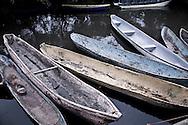 Cayucos aguardan la llena en el puerto de Jiquilisco, Usulutan Lunes JUN 18, 2012 para que pescadores artesanales realicen labores de recolección de moluscos en la zona del estero. Los pobladores deben de recolectar 60 moluscos entre lodo para conseguir 1.60 de dolares. Mientras en San Salvador un coctel de doce molusculos le cuesta 5-7 dolares. Photo: Edgar ROMERO/Imagenes Libres.