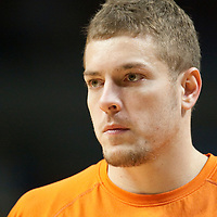 17 December 2009: New York Knicks David Lee is seen prior to the Chicago Bulls 98-89 victory over the New York Knicks at the United Center, in Chicago, Illinois, USA.