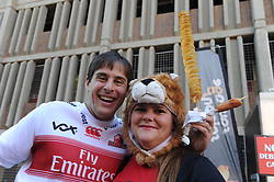 28-07-18 Emirates Airline Park, Johannesburg. Super Rugby semi-final Emirates Lions vs NSW Waratahs. Lions fans Andrew (formerly from California) and Pearl O'Mahony from Strubenvalley.<br /> Picture: Karen Sandison/African News Agency (ANA)