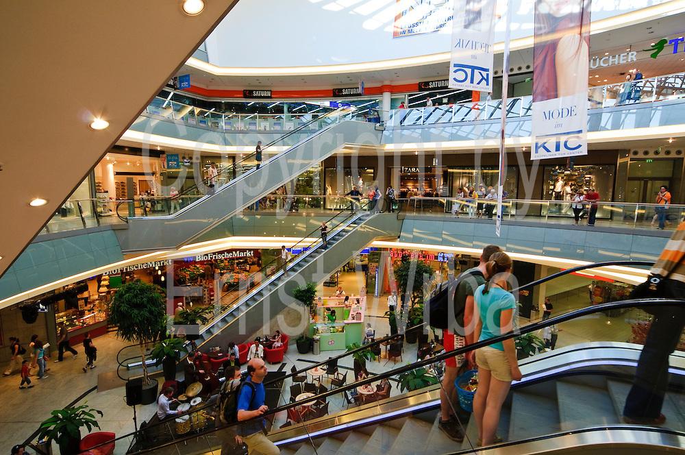 Einkaufszentrum Kröpeliner Tor Center, Shopping Center, Altstadt, Hansestadt Rostock, Mecklenburg-Vorpommern, Deutschland.|.shopping centre Kroepeliner Tor Center, old town, Rostock, Mecklenburg-Vorpommern Germany