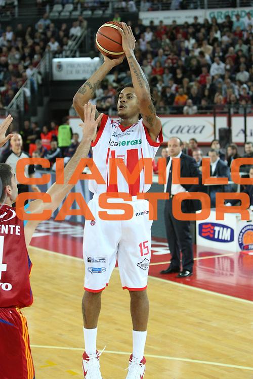 DESCRIZIONE : Roma Lega A1 2008-09 Lottomatica Virtus Roma Bancatercas Teramo<br /> GIOCATORE : David Moss<br /> SQUADRA : Bancatercas Teramo<br /> EVENTO : Campionato Lega A1 2008-2009 <br /> GARA : Lottomatica Virtus Roma Bancatercas Teramo<br /> DATA : 02/11/2008 <br /> CATEGORIA : Tiro<br /> SPORT : Pallacanestro <br /> AUTORE : Agenzia Ciamillo-Castoria/C.De Massis