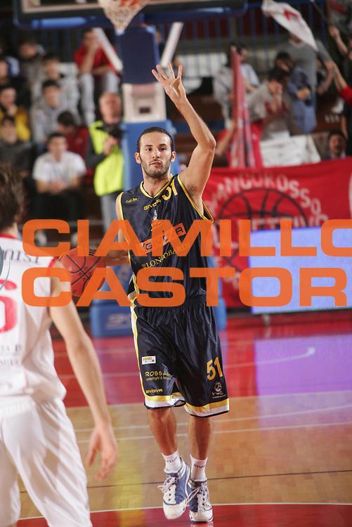 DESCRIZIONE : Reggio Emilia Coppa Italia Lega Basket A2 2011-12  Trenkwalder Reggio Emilia  Givova Scafati<br /> GIOCATORE : Sorrentino Gennaro<br /> SQUADRA :  Givova Scafati<br /> EVENTO : Coppa Italia Lega Basket A2 2011-2012<br /> GARA : Trenkwalder Reggio Emilia  Givova Scafati<br /> DATA : 01/11/2011 <br /> CATEGORIA : palleggio schema<br /> SPORT : Pallacanestro <br /> AUTORE : Agenzia Ciamillo-Castoria/FotoStudio13<br /> Galleria : Lega Basket A2 2011-2012 <br /> Fotonotizia : Reggio Emilia Coppa Italia Lega Basket A2 2011-12  Trenkwalder Reggio Emilia  Givova Scafati<br /> Predefinita :
