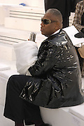 Andre Leon Talley. Chanel couture fashion show. Grand Palais, Ave Winston Churchill. Paris. 24  January  2006.  ONE TIME USE ONLY - DO NOT ARCHIVE  © Copyright Photograph by Dafydd Jones 66 Stockwell Park Rd. London SW9 0DA Tel 020 7733 0108 www.dafjones.com