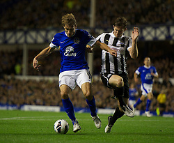 17.09.2012, Goodison Park, Liverpool, ENG, Premier League, FC Everton vs Newcastle United, 4. Runde, im Bild Everton's Nikica Jelavic in action against Newcastle United during the English Premier League 4th round match between Everton FC and Newcastle United at the Goodison Park, Liverpool, Great Britain on 2012/09/17. EXPA Pictures © 2012, PhotoCredit: EXPA/ Propagandaphoto/ David Rawcliff..***** ATTENTION - OUT OF ENG, GBR, UK *****