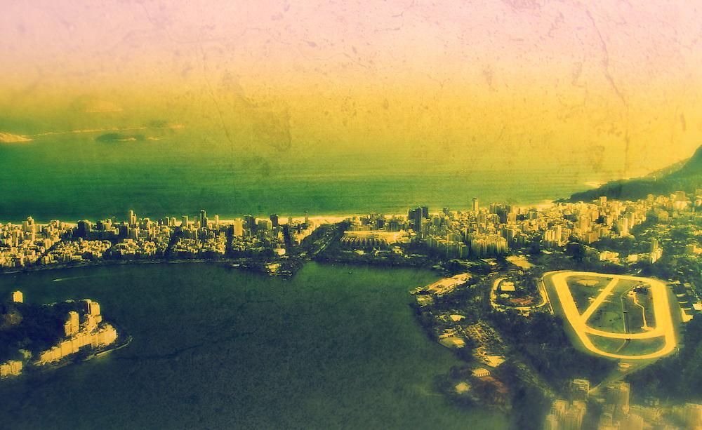 Rodrigo de Freitas lagoon and the Ipanema sea from heights.