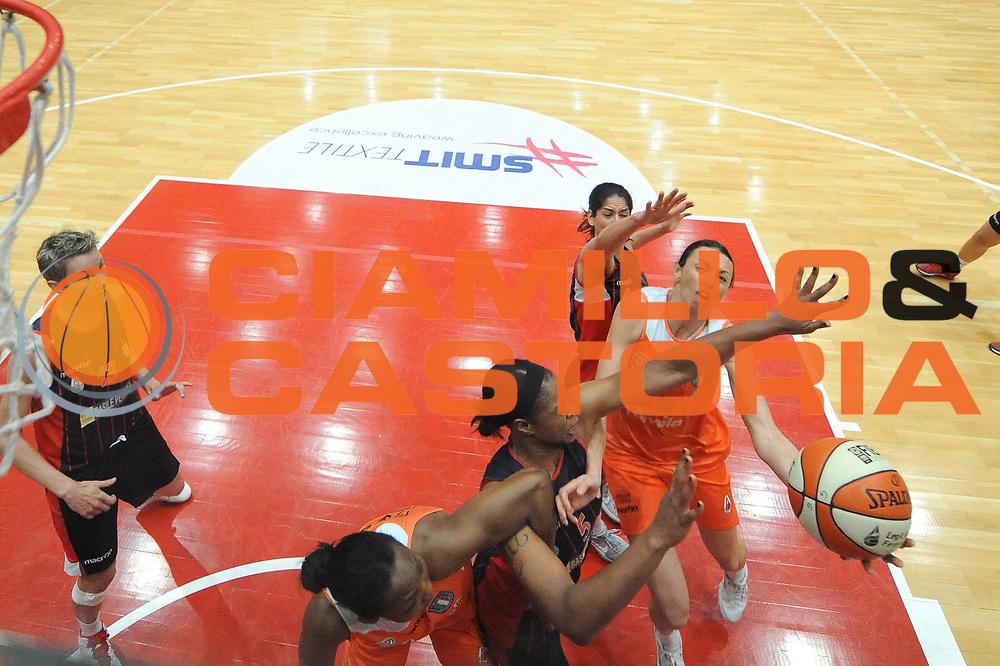 DESCRIZIONE : Schio Lega A1 Femminile 2011-12 Playoff Finale Gara1 Famila Wuber Schio Cras Taranto <br /> GIOCATORE : Laura Macchi<br /> CATEGORIA : special tiro<br /> SQUADRA : Famila Wuber Schio <br /> EVENTO : Campionato Lega A1 Femminile 2011-2012 <br /> GARA : Famila Wuber Schio Cras Taranto<br /> DATA : 02/05/2012 <br /> SPORT : Pallacanestro <br /> AUTORE : Agenzia Ciamillo-Castoria/M.Marchi<br /> Galleria : Lega Basket Femminile 2011-2012 <br /> Fotonotizia : Schio Lega A1 Femminile 2011-12 Playoff Finale Gara1 Famila Wuber Schio Cras Taranto <br /> Predefinita :
