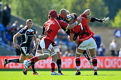 Jack Yeandle (Exeter Chiefs) is lifted up in a tackle by Richard Thorpe (London Welsh) - Photo mandatory by-line: Patrick Khachfe/JMP - Mobile: 07966 386802 06/09/2014 - SPORT - RUGBY UNION - Oxford - Kassam Stadium - London Welsh v Exeter Chiefs - Aviva Premiership