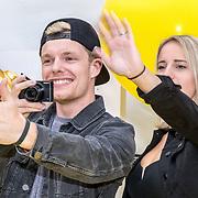 NLD/Amsterdam/20170617 - Première Verschrikkelijke Ikke 3, vlogger Enzo Knol en partner Dee van der Zeeuw
