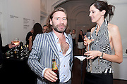 MAT COLLISHAW, Private view and Summer party to celebrate Haunch of Venison's exhibition. Joanna Vasconcelos; I will Survive and Polly Morgan: Psychopomps. Dover st. arts Club. 20 July 2010. -DO NOT ARCHIVE-© Copyright Photograph by Dafydd Jones. 248 Clapham Rd. London SW9 0PZ. Tel 0207 820 0771. www.dafjones.com.