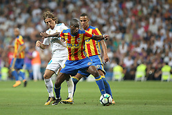 August 27, 2017 - Madrid, Spain - Kondogbia controls the ball against Luka Modric. LaLiga Santander matchday 2 between Real Madrid and Valencia. The final score was 2-2, Marco Asensio scored twice for Real Madrid. Carlos Soler and Kondogbia did it for Valencia. Santiago Bernabeu Stadium, august 27, 2017. Photo by  (Credit Image: © |Antonio Pozo |  Media Expre/VW Pics via ZUMA Wire)