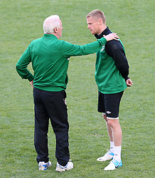 Team boss Giovanni Trapattoni Damien Duff  training in the Euro 2012 Ireland Training Poznan Poland 17 June 2012 Football in the UEFA European Championship 2012 in Poland and the Ukraine Country game Group stage Italy vs Ireland Preliminary reports Conclusion of training IRL Picture shows The Players from Ireland. Photo By Imago/ i-Images