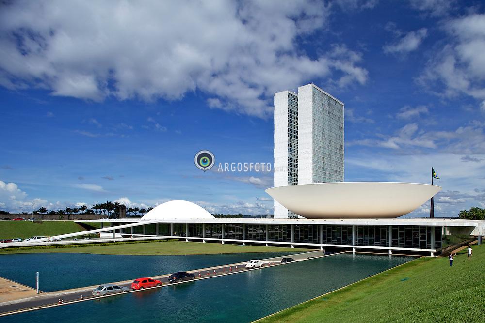 Congresso Nacional, Brasilia, DF. Projeto do arquiteto Oscar Niemeyer, 1958. Foto: Eduardo Aigner, 14/01/2011..National Congress of Brazil. Oscar Niemeyer project, 1958.