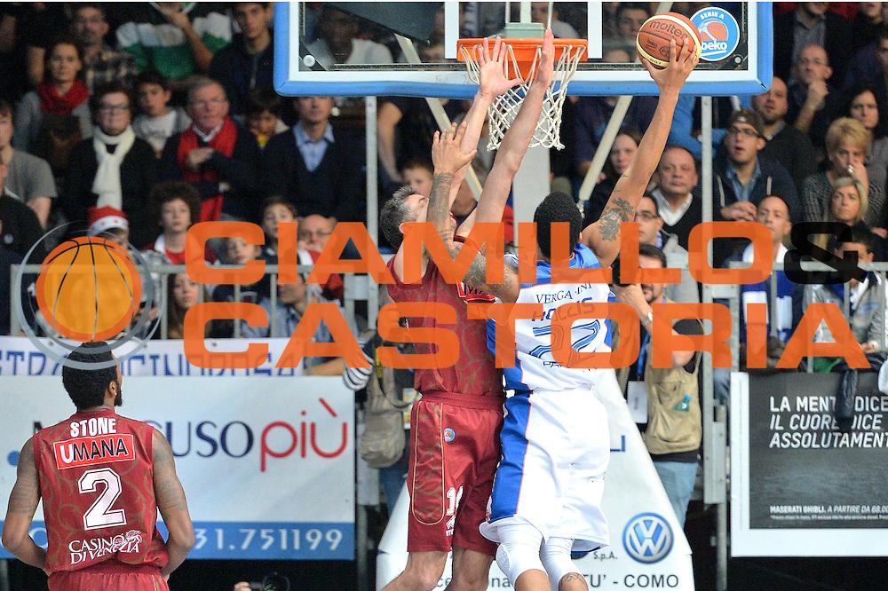 DESCRIZIONE : Cant&ugrave; Lega A 2014-15 Acqua Vitasnella Cant&ugrave; vs  Umana Reyer Venezia<br /> GIOCATORE : Damian Hollis<br /> CATEGORIA : Tiro<br /> SQUADRA : Acqua Vitasnella Cant&ugrave;<br /> EVENTO : Campionato Lega A 2014-2015<br /> GARA : Acqua Vitasnella Cant&ugrave; vs Umana Reyer Venezia<br /> DATA : 21/12/2014<br /> SPORT : Pallacanestro <br /> AUTORE : Agenzia Ciamillo-Castoria/I.Mancini<br /> Galleria : Lega Basket A 2014-2015 <br /> Fotonotizia : Cant&ugrave; Lega A 2014-15 Acqua Vitasnella Cant&ugrave; vs Umana Reyer Venezia<br /> Predefinita :