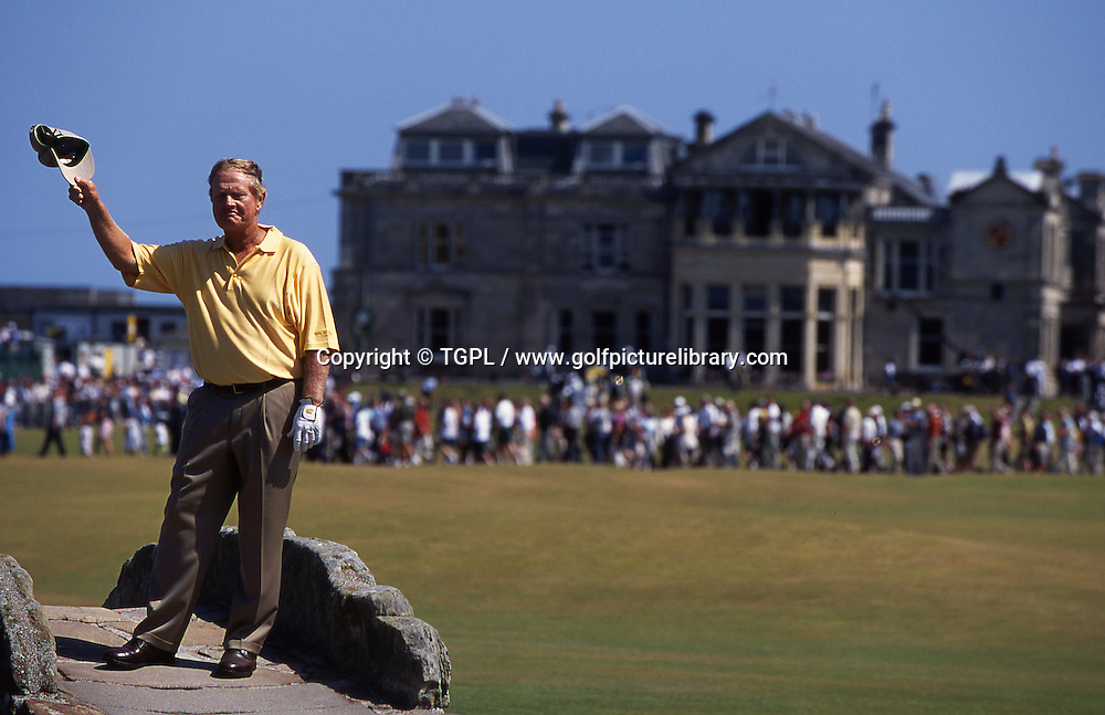 Last goodbye?Not quite (he bowed out after two rounds at the 2005 Open Championship) but Jack NICKLAUS (US) waves to the crowds standing on the famous Swilken Bridge on the 18th fairway during the Open Championship 2000,St Andrews Old Course,St Andrews,Fife,Scotland..