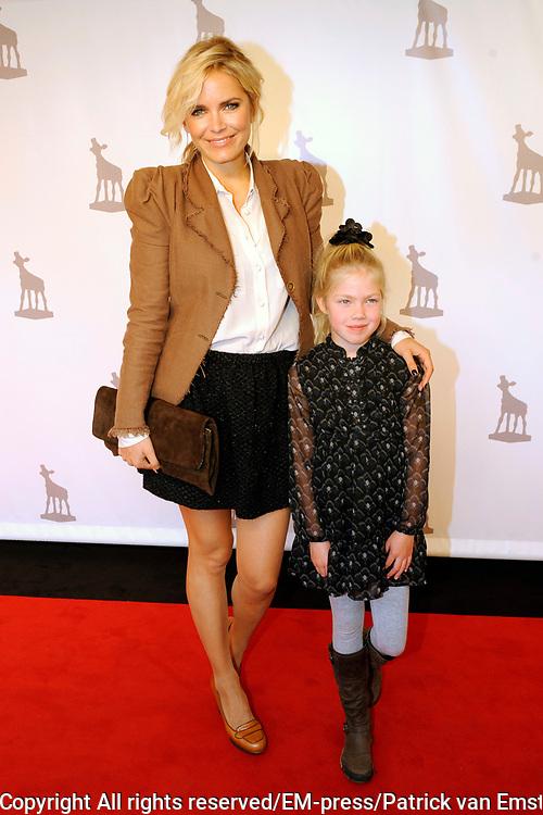 NFF 2011 - Premiere Bennie Stout op het Nederlands Filmfestival van Utrecht. <br /> <br /> Op de foto: <br /> <br />  Hanna Verboom en nichtje