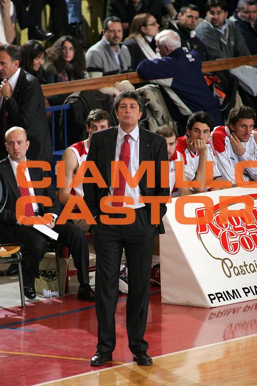 DESCRIZIONE : Reggio Emilia Uleb Cup 2005-06 Landi Renzo Reggio Emilia Wtk Anwil Wloklawek <br /> GIOCATORE : Frates <br /> SQUADRA : Landi Renzo Reggio Emilia <br /> EVENTO : Uleb Cup 2005-2006 <br /> GARA : Landi Renzo Reggio Emilia Wtk Anwil Wloklawek <br /> DATA : 10/01/2006 <br /> CATEGORIA : Ritratto <br /> SPORT : Pallacanestro <br /> AUTORE : Agenzia Ciamillo-Castoria/Fotostudio 13