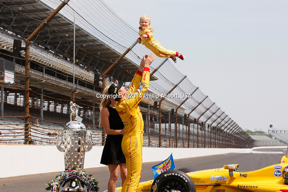 26 May, 2014, Indianapolis, Indiana, USA<br /> Ryan Hunter-Reay celebrates with wife Beccy and son Ryden<br /> ©2014, Phillip Abbott<br /> LAT Photo USA