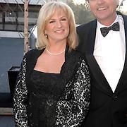 NLD/Hilversum/20070312 - Inloop verjaardagsfeest Joop van den Ende 65 jaar, Anita Meijer en partner Martin Bosboom