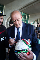 September 19, 2018 - Na - Porto, 09/17/2018 - Porto Clube Football Club arrived today at the Fra Carneiro Sa Carneiro Airport from Germany where they played the first day of the group stage of the 2018  19 Champions League. Pinto da Costa  (Credit Image: © Atlantico Press via ZUMA Wire)
