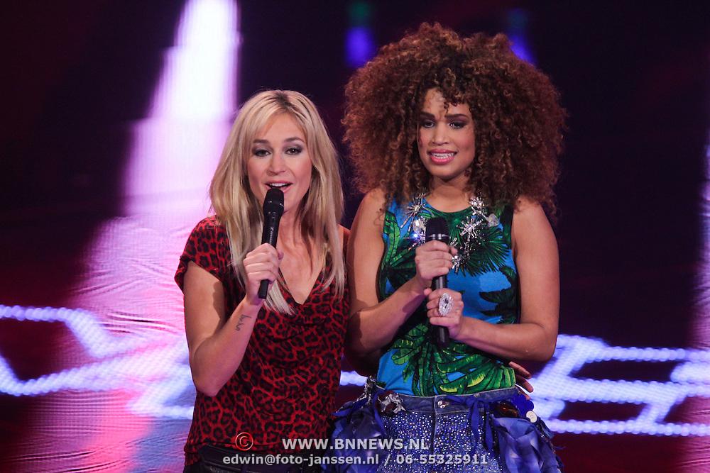 NLD/Hilversum/20111209- The Voice of Holland 2011, 2de live uitzending, Wendy van Dijk en Sharon Doorson