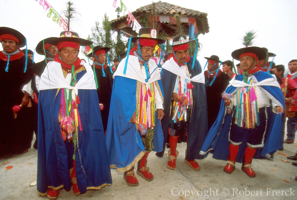 MEXICO, MAYAN, FESTIVAL Zinacantán; San Sebastián Festival
