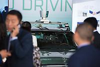 DEU, Deutschland, Germany, Berlin, 10.07.2018: Kameras und ein GPS Navigationssystem in einem autonom fahrenden Mercedes bei einer Präsentation zum autonomen Fahren im Flughafen Tempelhof.