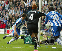 Fotball<br /> England 2004/2005<br /> Foto: SBI/Digitalsport<br /> NORWAY ONLY<br /> <br /> Wigan Athletic v Reading<br /> Coca-Cola Championship<br /> 08/05/2005<br /> <br /> Wigan's Lee McCulloch scores the first goal of the game