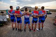 De avondruns tijdens de tweede racedag. In Battle Mountain (Nevada) wordt ieder jaar de World Human Powered Speed Challenge gehouden. Tijdens deze wedstrijd wordt geprobeerd zo hard mogelijk te fietsen op pure menskracht. De deelnemers bestaan zowel uit teams van universiteiten als uit hobbyisten. Met de gestroomlijnde fietsen willen ze laten zien wat mogelijk is met menskracht.<br /> <br /> In Battle Mountain (Nevada) each year the World Human Powered Speed Challenge is held. During this race they try to ride on pure manpower as hard as possible.The participants consist of both teams from universities and from hobbyists. With the sleek bikes they want to show what is possible with human power.