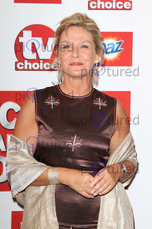 Amanda Burton TVChoice Awards, Savoy Hotel, London, UK. 13 September 2011 Contact: Rich@Piqtured.com +44(0)7941 079620 (Picture by Richard Goldschmidt)