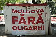 C'est la corruption à l'œuvre dans le pays qui, avant tout, entretient l'exaspération des Moldaves La Moldavie traverse une crise politique suite aux révélations sur la disparition d'un milliard de dollars des trois plus grandes banques du pays