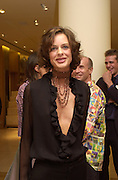 Trini Woodall. Burberry Bond St. Launch party. 21-23 New Bond St. London. In Support of the Sargent Cancer Care for Children. 7/9/00 © Copyright Photograph by Dafydd Jones 66 Stockwell Park Rd. London SW9 0DA Tel 020 7733 0108 www.dafjones.com