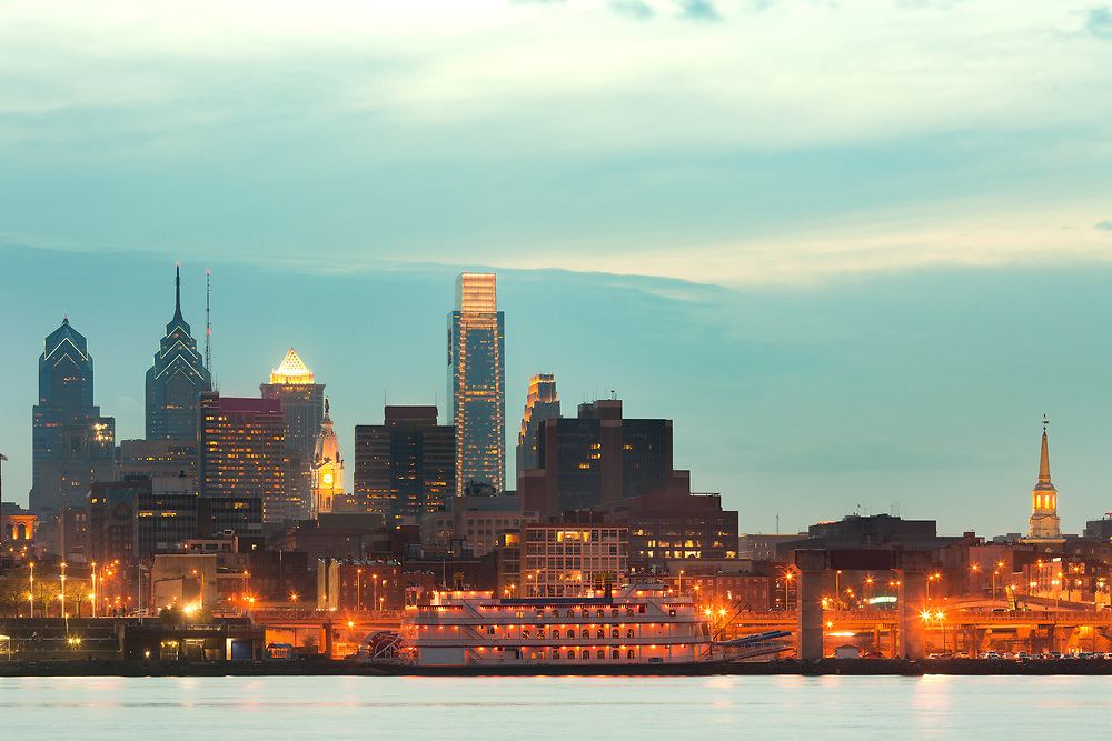 Skyline of downtown Philadelphia, Pennsylvania, USA