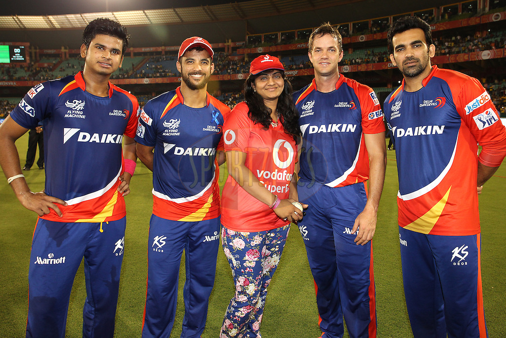 Shreyas Iyer of the Delhi Daredevils, Delhi Daredevils captain Jean-Paul Duminy, the Vodafone Superfan, Albie Morkel of the Delhi Daredevils and Zaheer Khan of the Delhi Daredevils during match 49 of the Pepsi IPL 2015 (Indian Premier League) between Delhi Daredevils and Chennai Super Kings held at the Shaheed Veer Narayan Singh International Cricket Stadium in Raipur, India on the 12th May 2015.<br /> <br /> Photo by:  Shaun Roy / SPORTZPICS / IPL