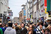 Nederland, Nijmegen, 6-9-2009Winkelstraat, Broerstraat, in Nijmegen. Winkelen, architectuurFoto: Flip Franssen/Hollandse Hoogte
