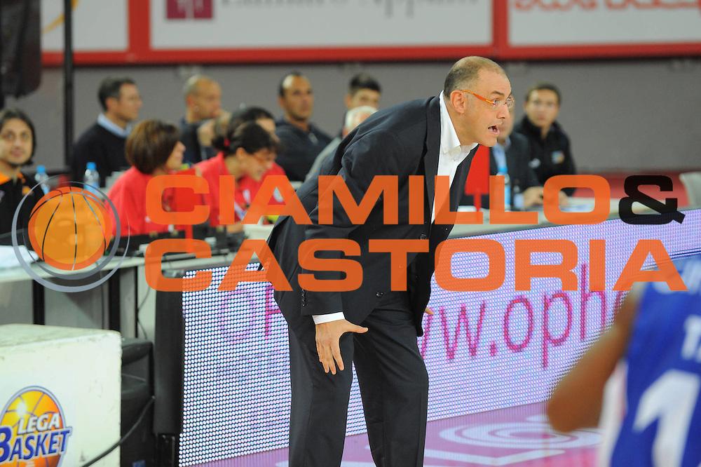DESCRIZIONE : Roma Lega A 2010-11 Lottomatica Roma Bennet Cantu<br /> GIOCATORE : Matteo Boniciolli Coach<br /> SQUADRA : Lottomatica Roma Bennet Cantu<br /> EVENTO : Campionato Lega A 2010-2011 <br /> GARA : Lottomatica Roma Bennet Cantu<br /> DATA : 31/10/2010<br /> CATEGORIA : Ritratto<br /> SPORT : Pallacanestro <br /> AUTORE : Agenzia Ciamillo-Castoria/GiulioCiamillo<br /> Galleria : Lega Basket A 2010-2011 <br /> Fotonotizia : Roma Lega A 2010-11 Lottomatica Roma Bennet Cantu<br /> Predefinita :