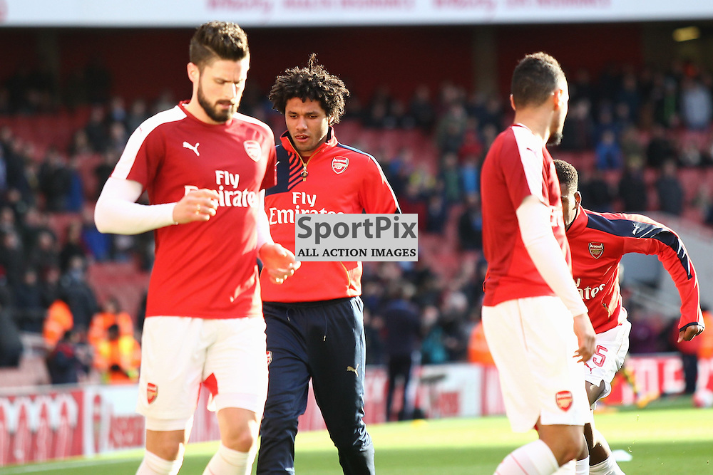 Mohamed Elneny of Arsenal warms up before the Emirates FA Cup Fourth Round game against Burnley Arsenal Vs Burnley, FA Cup Fourth Round, 30.01.2016 (c) Joshua Smith | SportPix.org.uk